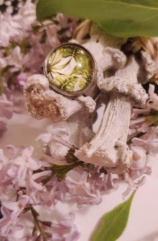 Bague artisanale inox - cabochon feuillage vert