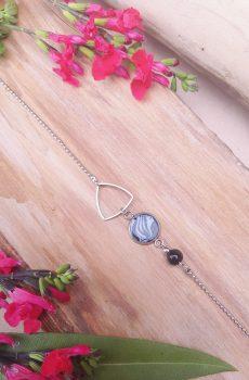 Headband inox fait main - Triangle argenté, cabochon zébré et perle d'imitation noire. Calino crea