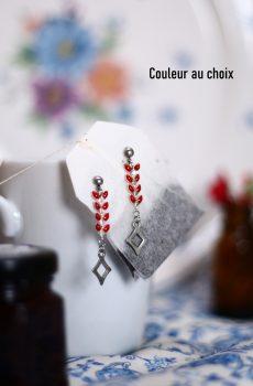 Boucles d'oreilles en acier inoxydable avec chaîne épi de couleur au choix et losange argenté