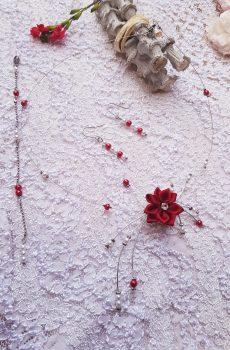 Parure inox mariage fait main - Perles et fleurs blanches et rouges. Calino Crea