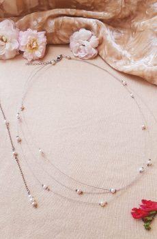 Collier et bijou de dos inox mariage fait main -Perles blanches, ivoires et rose clair. Calino crea