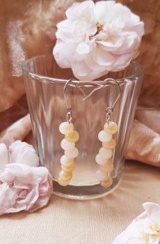 Boucles d'oreilles inox mariage fait main - Perles blanches et ivoires. Calino Crea