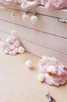 Bracelet et boucles d'oreilles inox mariage fait main - Perles roses blanches. Calino Crea