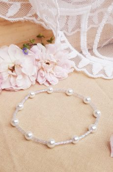 Bracelet mariage fait main - Perles blanches et bleu clair. Calino Crea