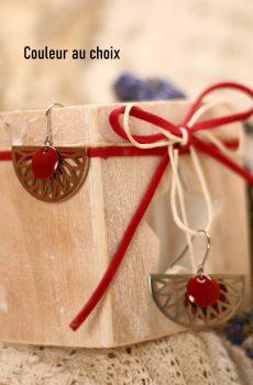 Boucles d'oreilles inox personnalisables fait main - Eventail et sequin émaillé rouge. Calino Crea