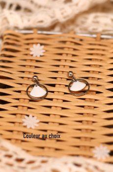 Boucles d'oreilles inox personnalisables fait main - Anneau et sequin éventail blanc. Calino Crea