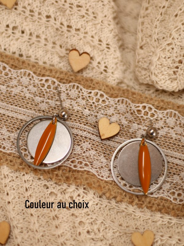 Boucles d'oreilles inox personnalisable fait main - anneau et sequin amande moutarde. Calino Crea