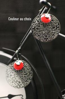 Boucles d'oreilles inox personnalisables fait main - Filigrane et sequin émaillé rouge. Calino crea