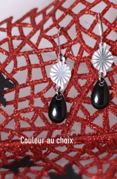 Boucles d'oreilles inox personnalisables fait main - Rayons argentés et sequin émaillé goutte noire. Calino Crea