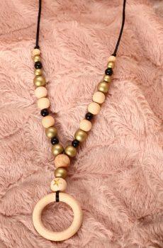 Collier de portage et d'allaitement bois fait main - naturel, doré et noir avec anneau. Calino Crea