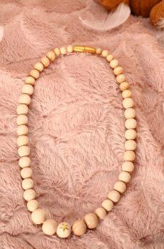 Collier d'allaitement et de portage fait main - perles en bois naturel et étoile dorée. Calino Crea