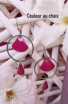 Boucles d'oreilles inox personnalisable fait main - anneau et sequins émaillés éventail et goutte bordeaux. Calino Crea